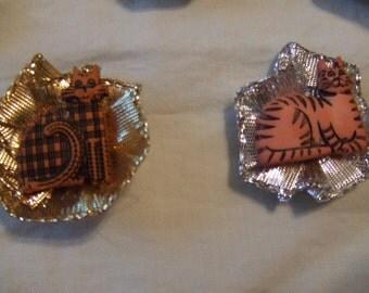 Silver and Gold Kitties screen door magnet set