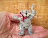 Kitten Pin of Wool Wrap/Needle Felted
