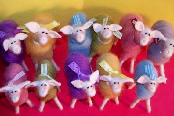 Pastel Ewe (1 Wool Sheep in Pastel Color) Medium