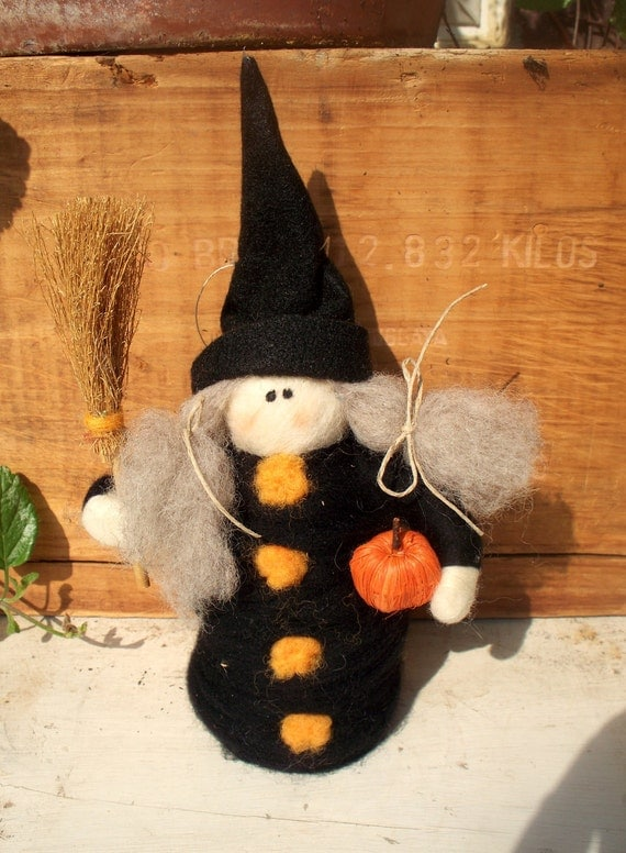 """Witchy Witch 7"""" Wool Halloween Decoration"""