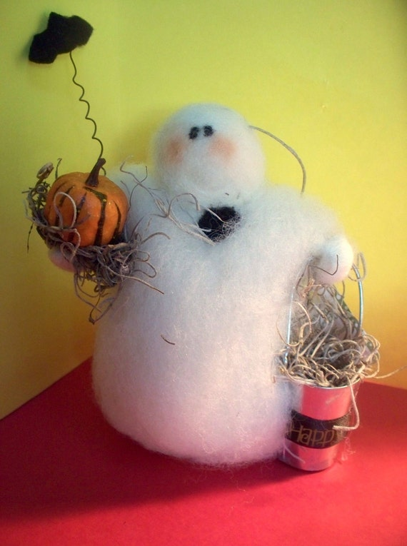 Ghost with Halloween Bucket Wool Wrapped and Needle Felted Decoration