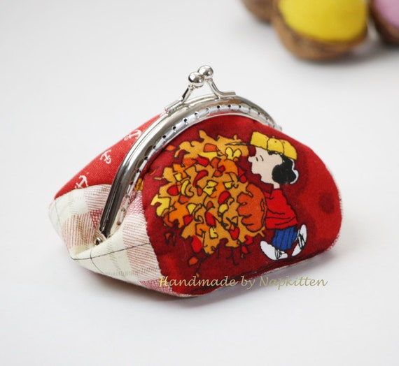 Coin purse, frame coin purse, change purse, metal frame purse, handmade, red, Lucy, snoopy