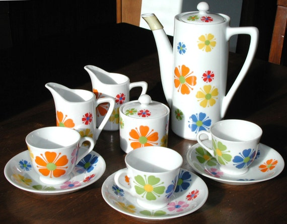 Vintage Tea Party Set  12 Piece Ceramic Service Funky Retro Flowers