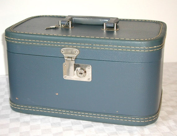 Vintage SLATE BLUE Train Case Weekender & KEY
