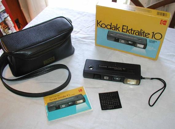 Kodak Ektralite 10 Camera  Vintage Set With Box & Case