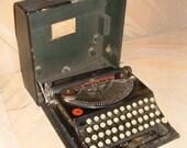 Vintage 1920's Remington Portable Manual Typewriter with Case