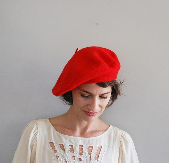 vintage beret / red beret / red wool beret hat