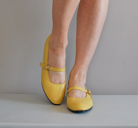 vintage 1960s Hot Mustard mary janes