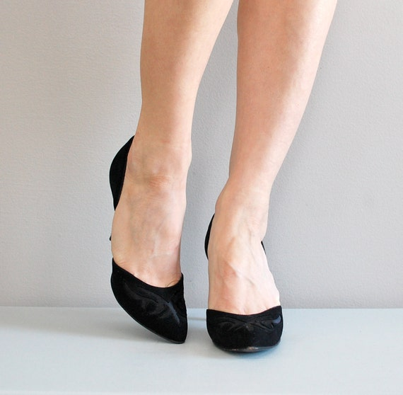 50s shoes / 1950s black shoes / D'Orsay cutout heels