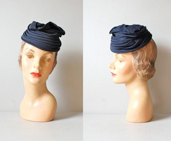 1930s hat / tilt top hat / 30s Evelyn Varon hat