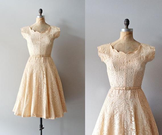1950s dress / 50s lace dress / wedding dress / Alamondine dress