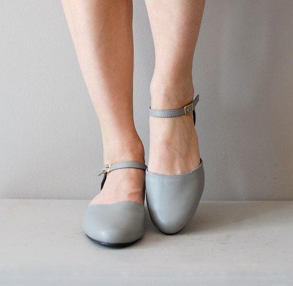 mary jane shoes / gray mary janes / Jane Grey shoes