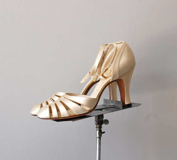 1930s shoes / 30s wedding shoes / Shimmer Satin heels