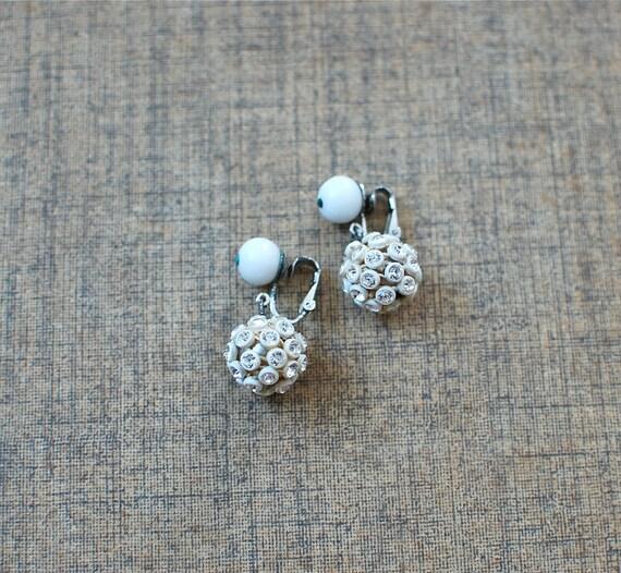 1960s earrings / ball drop earrings / Ice Storm earrings