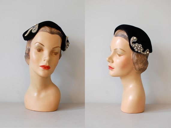 1950s hat / black beaded hat / To The Opera