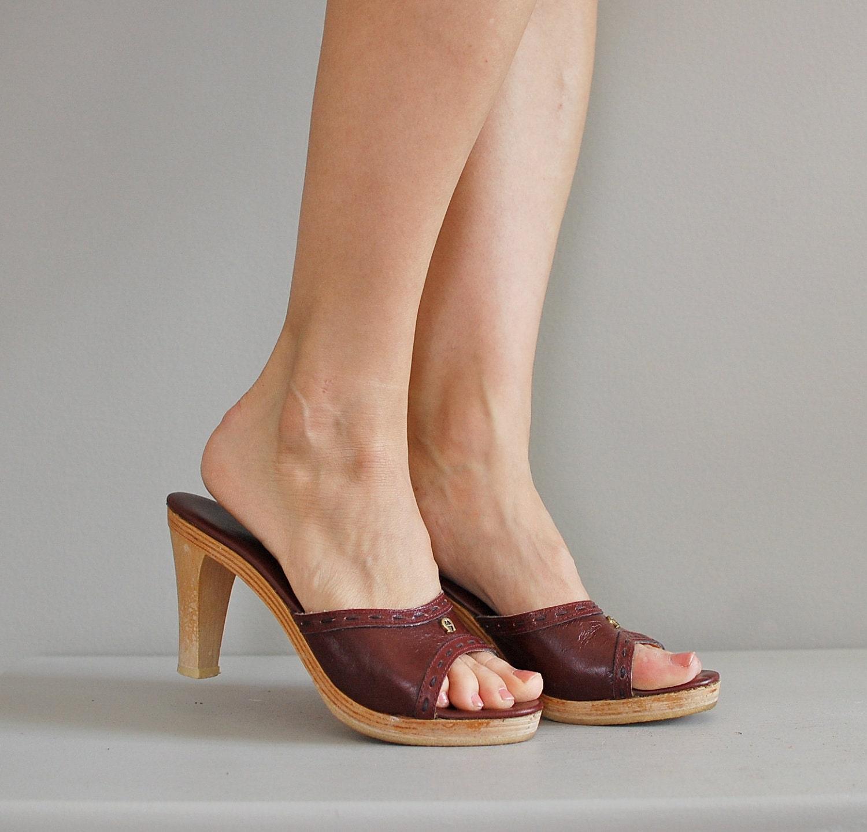 S A L E Etienne Aigner Shoes 70s Clogs Cerise Leather