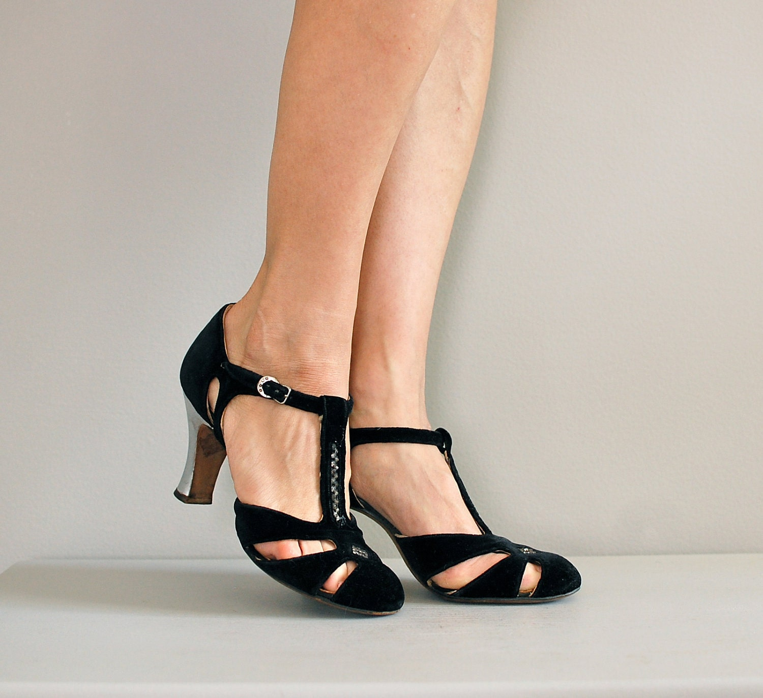 1920s shoes / flapper t-straps / Bright Young Things