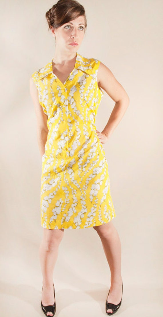 Mellow Yellow Floral Shift