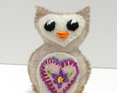 Sale- felt owl - wee owlet in heathered oatmeal with pink heart and embroidered flower, Ready to ship
