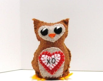 "Sale- Valentine felt owl - wee owlet in rust with red and white heart ""xo"" clearance- Ready to ship"