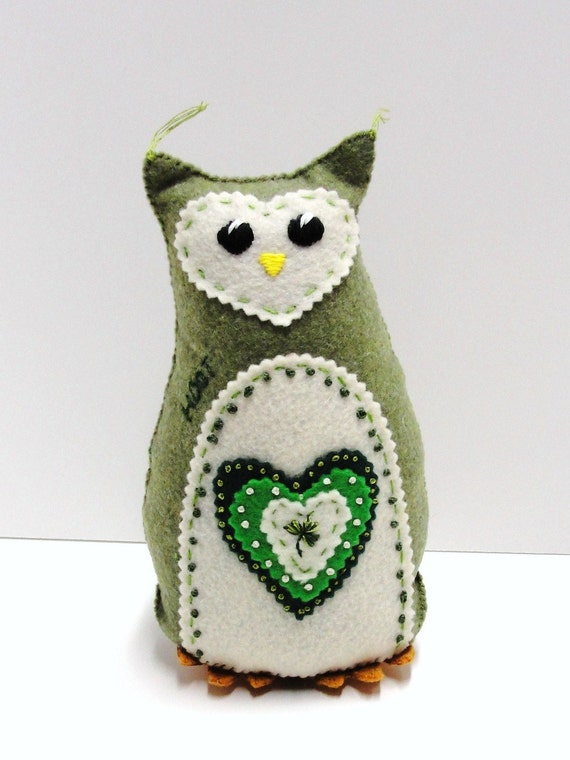 felt owl- 8 inch stuffed hoot owl with embroidered hearts and shamrock- moss and emerald green, Irish
