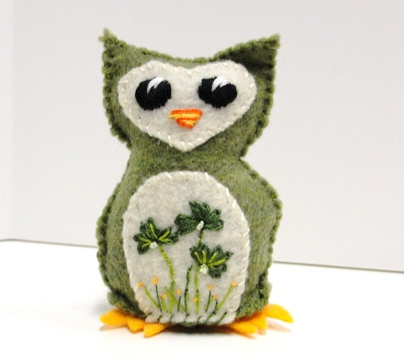 Sale- felt owl- wee owlet in moss green with shamrocks- good luck owl, Ready to ship