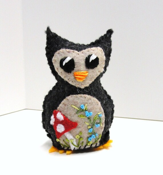 Sale- felt owl- wee feltie owlet in charcoal with mushroom and flowers- Ready to ship
