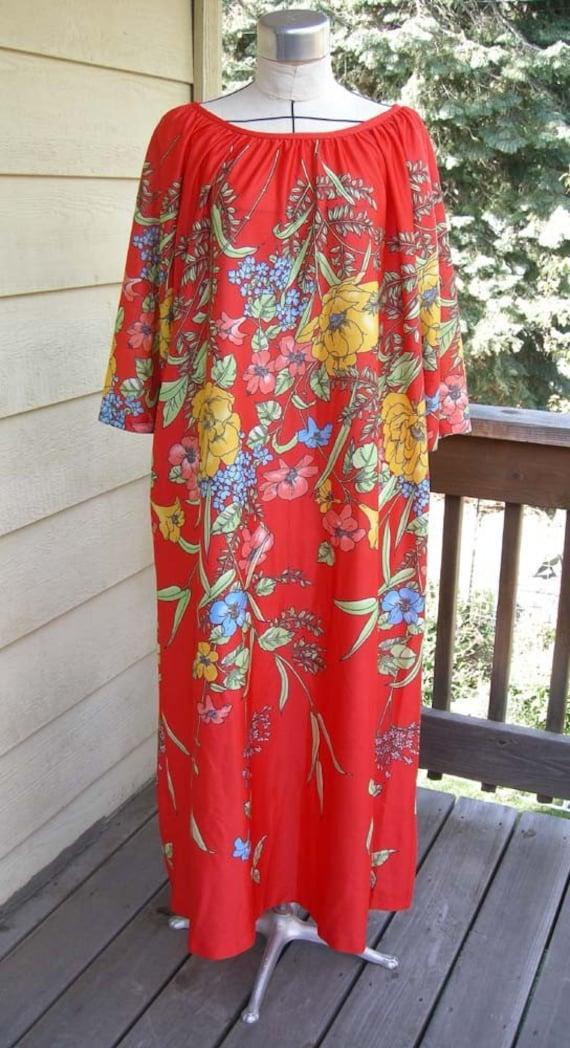 Vintage House Dress Mu Mu Lounge Wear Very Colorful