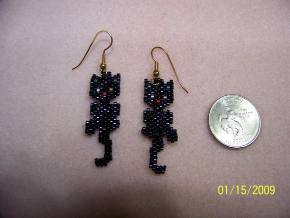 Items Similar To Seed Bead Wiggley Black Cat Earrings With