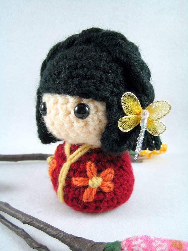 Amigurumi Japanese Doll : Joannie an amigurumi kokeshi doll