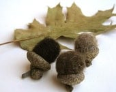 rustic autumn wool acorns set of 12 / natural decor inspired by the forest