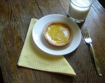 Lemon Gingham Table Napkins set of 4 / Kitchen Picnic Napkins Yellow White Checkered - Eco Friendly Food Napkins (READY TO SHIP)