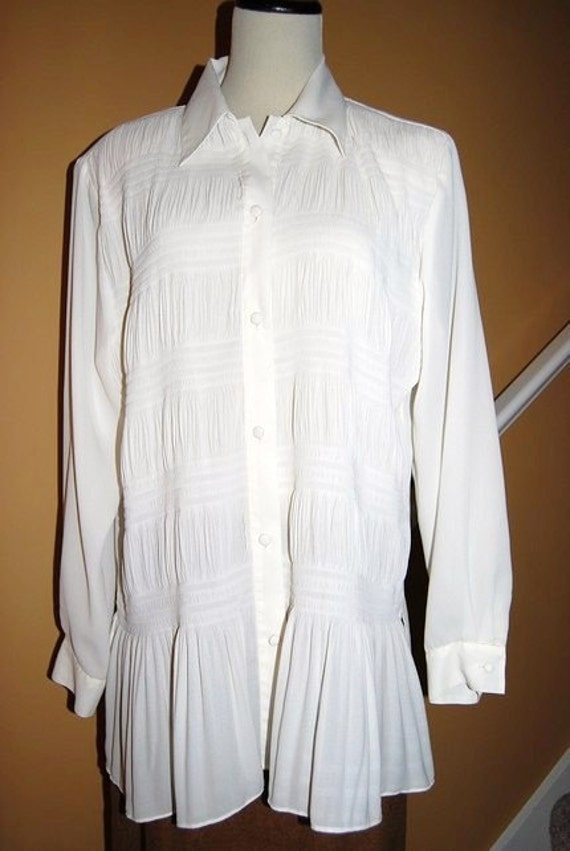 Vintage 1980's PEARL with Smocking BLOUSE