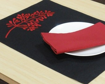 Red Fern Placemats, Linen Placemat set of 4, Embroidered Linen, Red Fern Black Placemat, Table Linen, Modern Tabletop, Wedding Gift