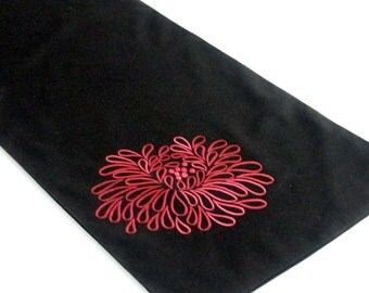Linen Table Runner , Floral Table Runner, Black LInen Red Flower,Embroidered , Table Linen, Long Table Runner, Wedding Table Linen, Custom