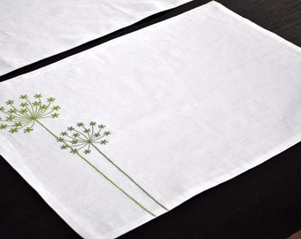 Queen  Ann Placemat, Floral Linen Placemat Set of 4, Cream Linen Green Queen Ann, Embroidered Linen, Fabric Placemat, Modern Table Linen