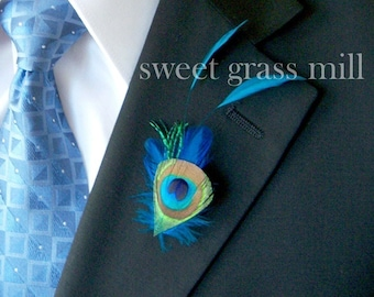 Peacock Boutonniere - BLEU PEACOQUE Boutonniere