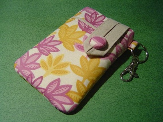 iPhone 3G, iPod-Touch, BlackBerry, MP3, Sleeve - PADDED -- Small Camera Case -- Garland in Rose