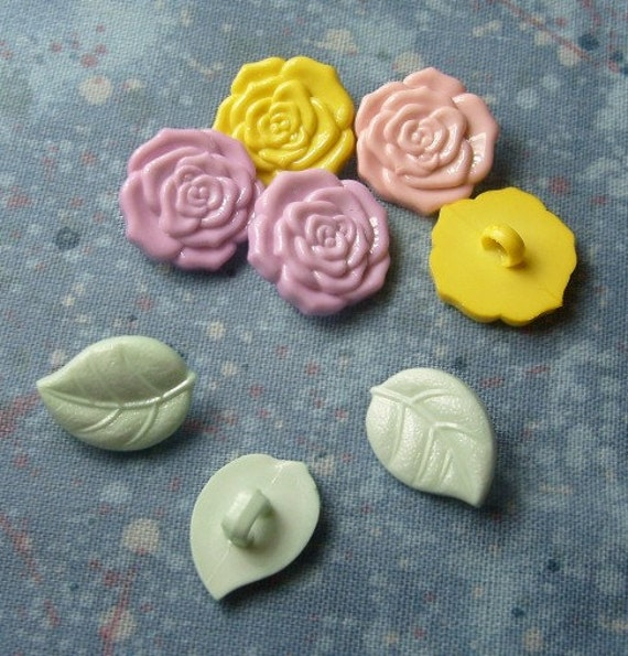 Spring Pastel Floral Buttons - Roses and Leaves