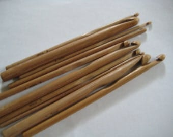 From USA 13 size bamboo crochet hooks 2.75-10.0mm (a complete set from US size C to size N)