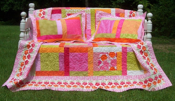 Queen Bed Quilt and Pillow Shams Poppy Punch