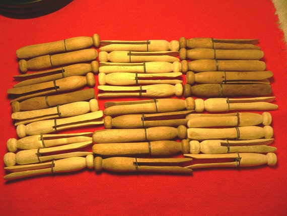 30 Vintage Round Clothes Pins Clothespins w/ Wires Laundry Wood Crafts