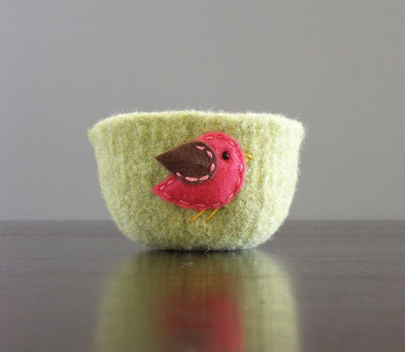 felted wool bowl - pistachio green wool bowl with hot pink and brown felt bird- gifts for spring her under 25 mothers day easter birthday