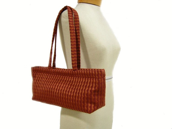 Sale -  The Shopper - Rusty Red Wave