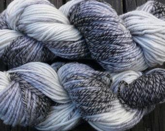 Pure wool yarn Iceland bulky weight, white and grays, superwash