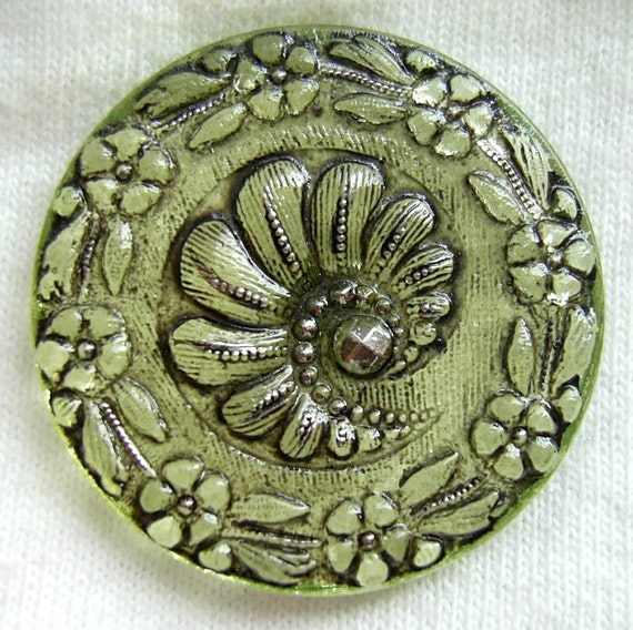 LG Czech VASELINE Glass Button w/ Floral Border and Silver Luster Accents