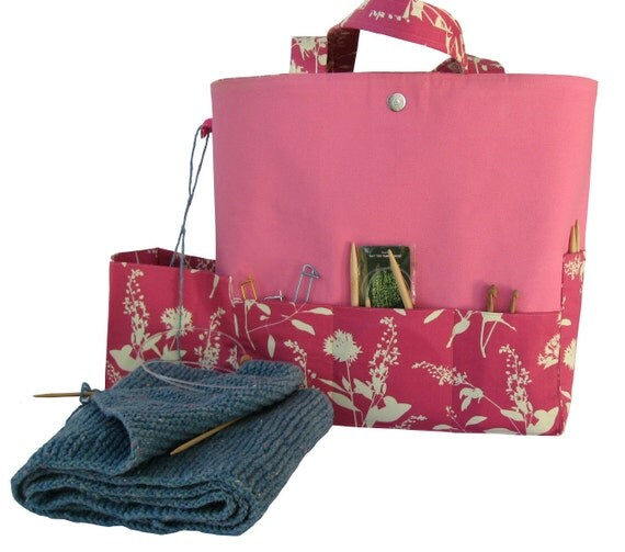 Large knitting bag, pockets customized for knitting supplies