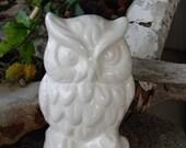 Hoot Barn Owl   White Ceramic Vintage style