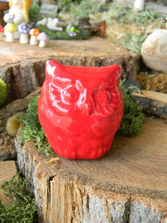 Hoot Owl  Figure      Vintage Style  Glazed Owl - RED