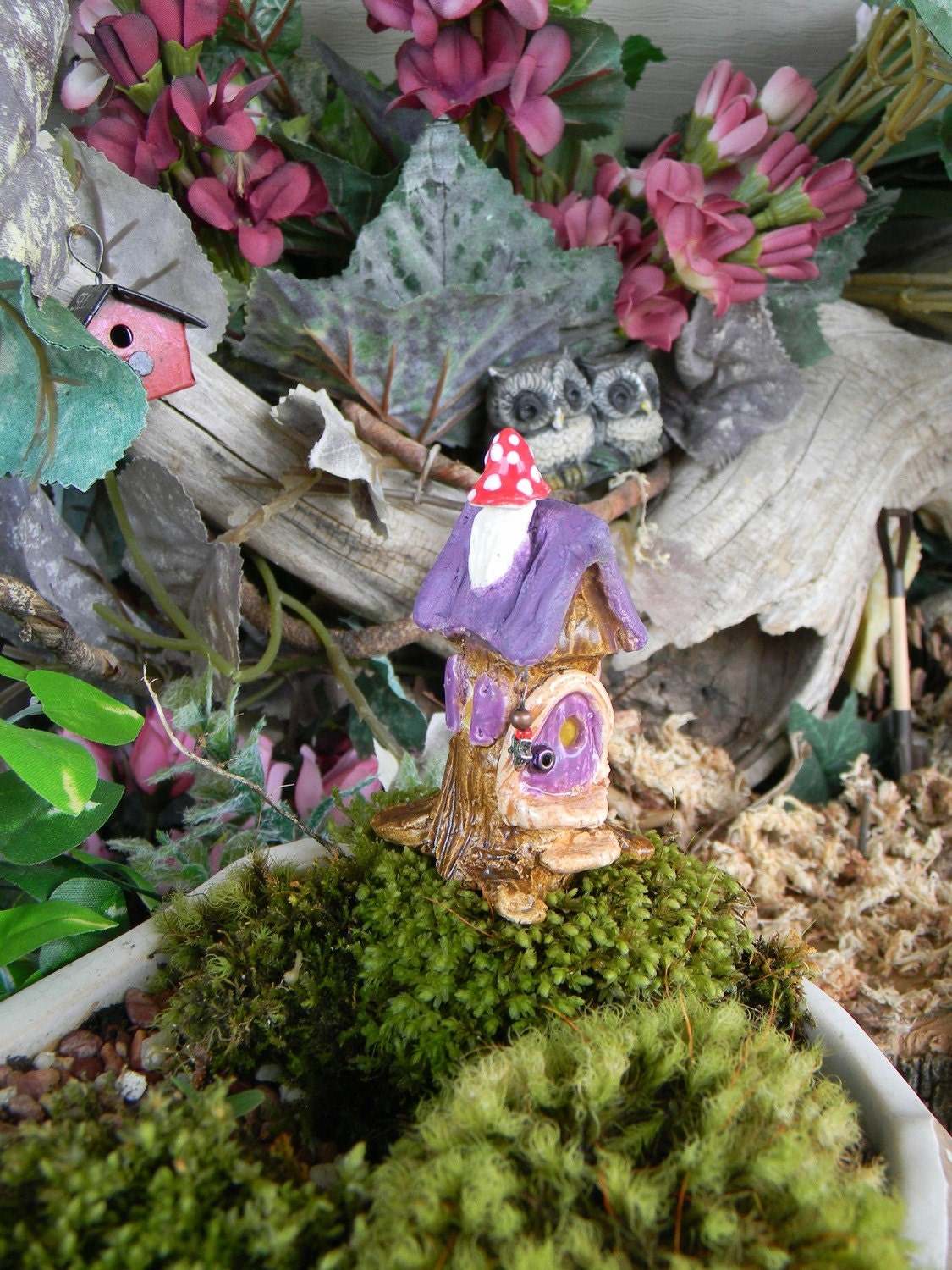 Gnome Tree Stump Home: Tree Stump HOUSE Gnome Home.................. Wee Little